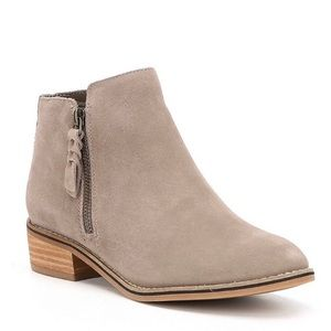 Blondo 5 1/2 Liam suede waterproof booties